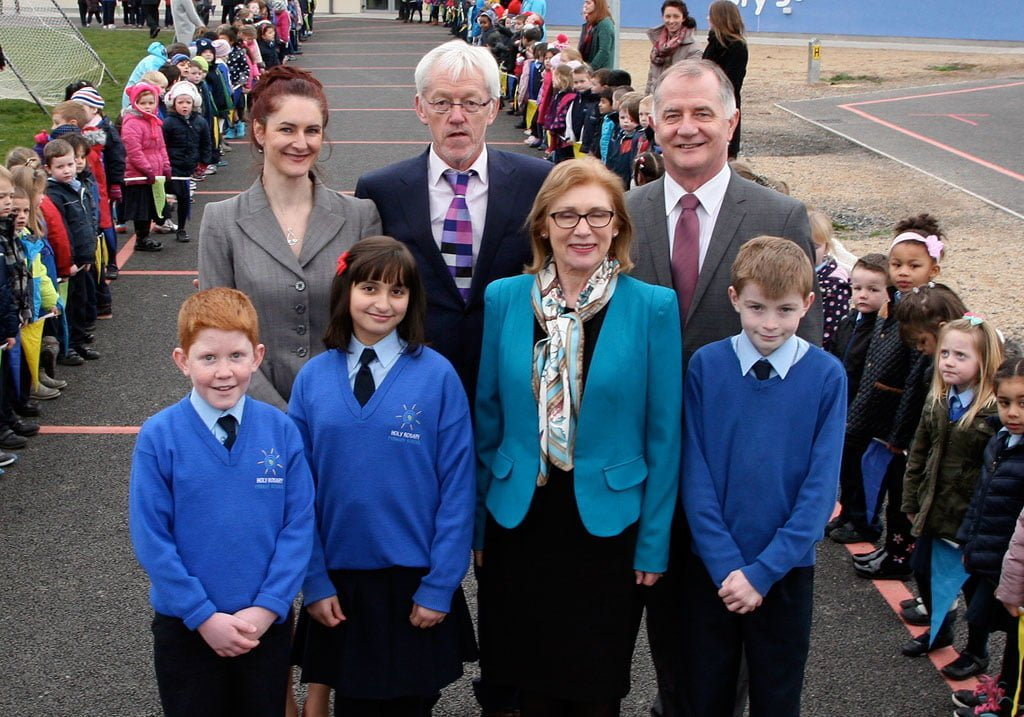 Ms Keane, Max Cannon [Principal], Sean Goan [Chairman of the Board of Management] and the student council with the Minister